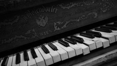 Monochrome Piano Wallpaper 58722