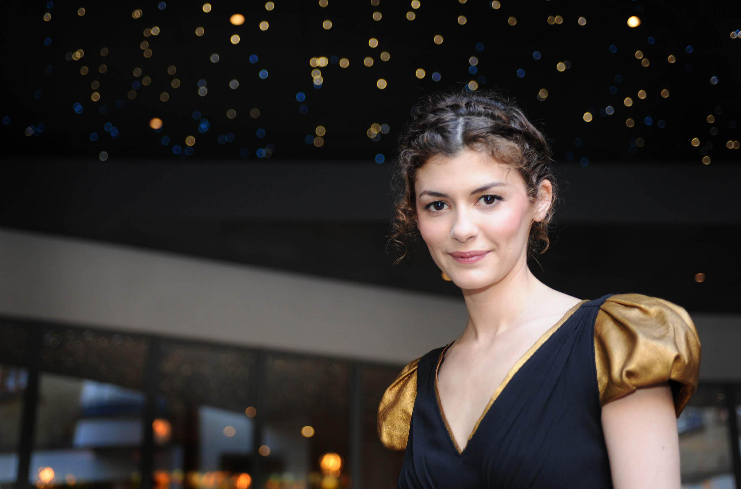 audrey tautou celebrity hd wallpaper 53024