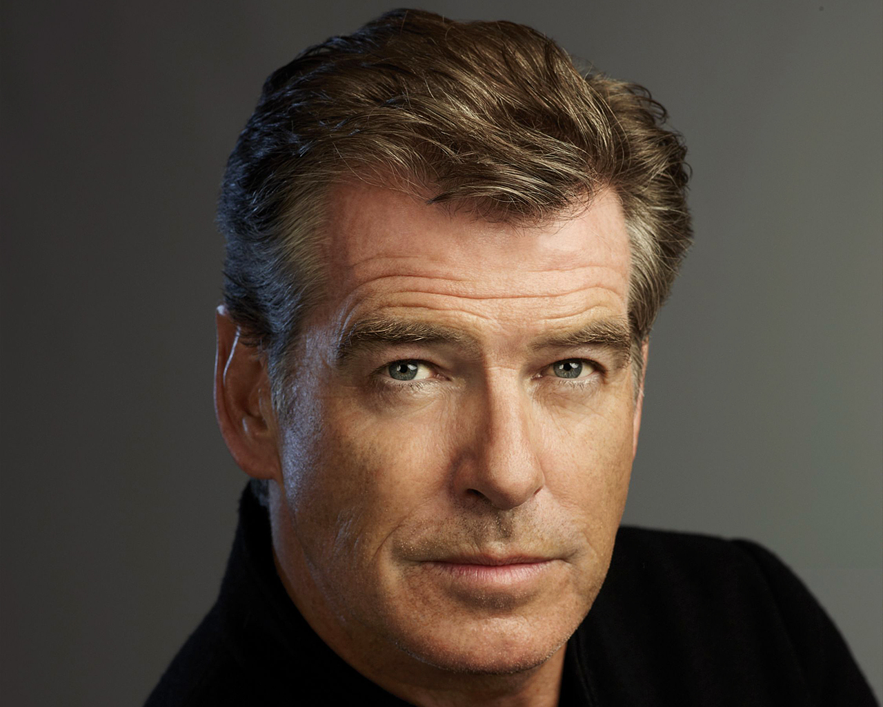 pierce brosnan mobile wallpaper 55637