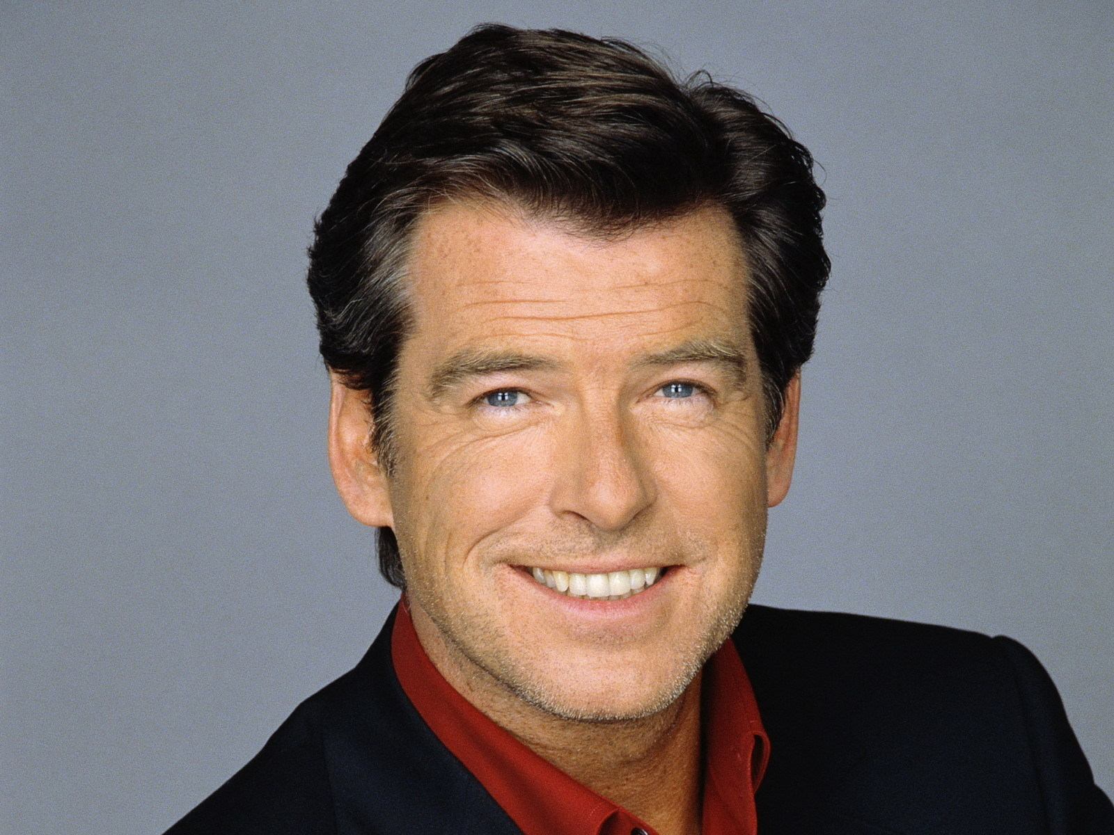 pierce brosnan smile wallpaper 55636