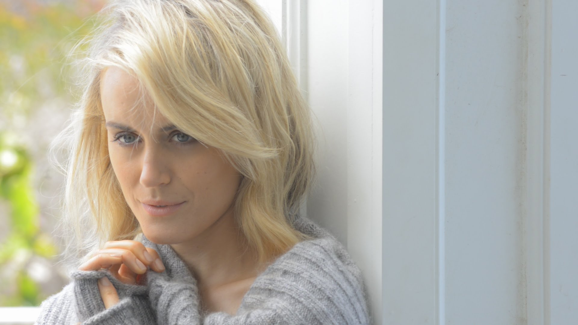 taylor schilling desktop wallpaper 55942