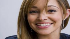Autumn Reeser Face Wallpaper 50517