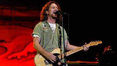 Eddie Vedder Performing Wallpaper 55654