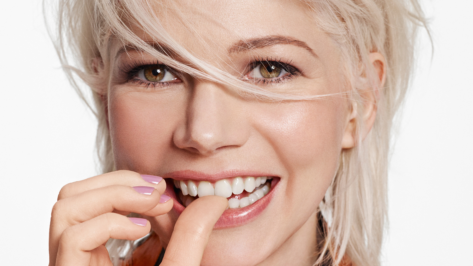 cute michelle williams smile wallpaper 53739