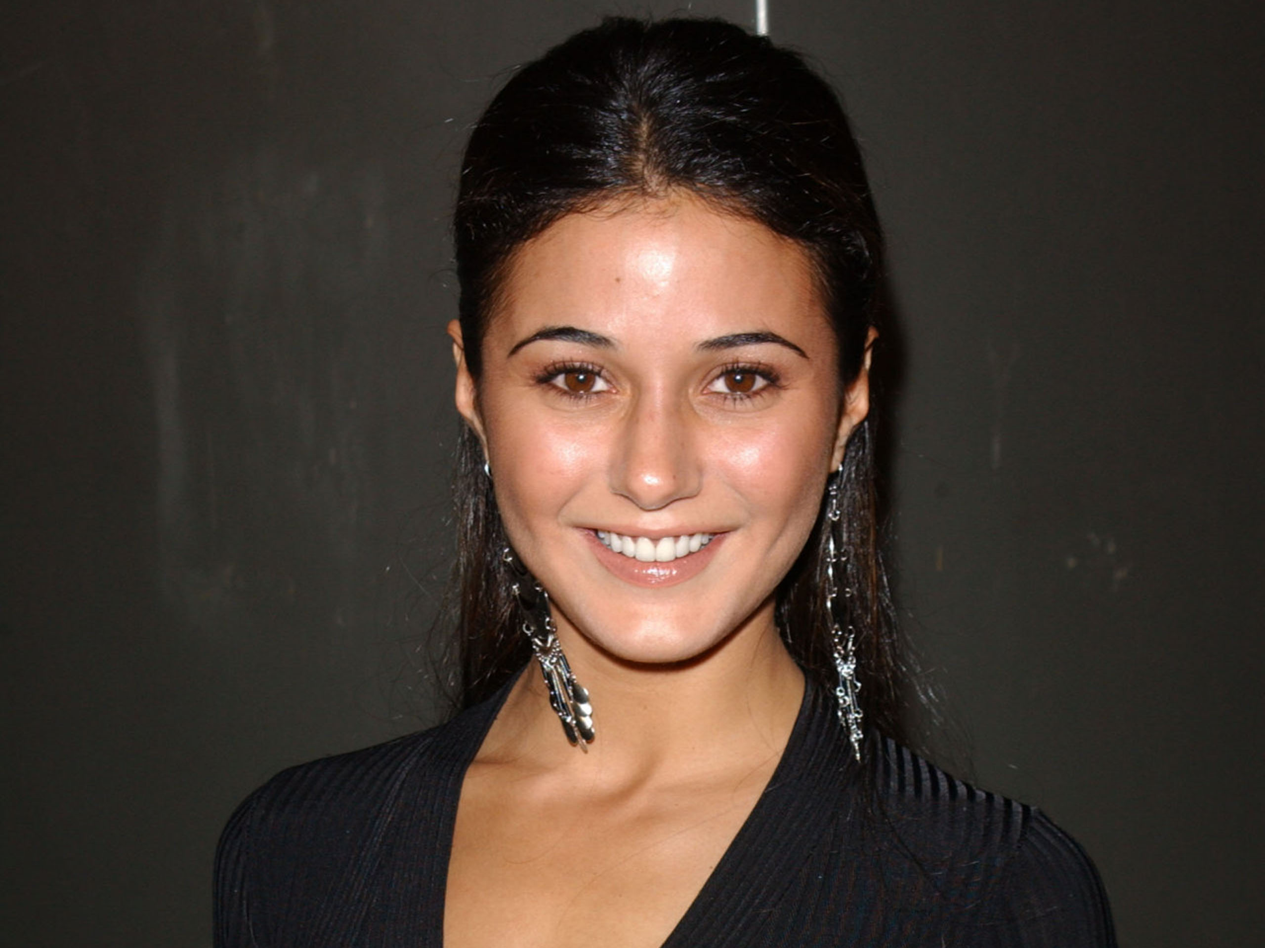 emmanuelle chriqui computer wallpaper 52808