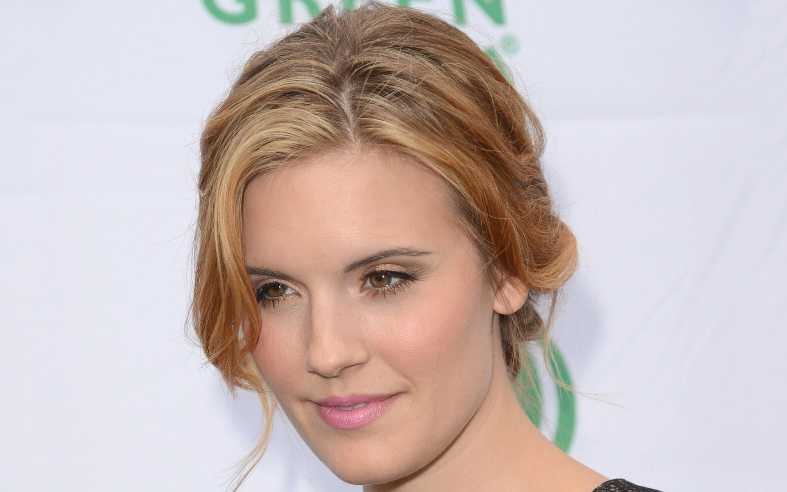 maggie grace face wallpaper background 50526