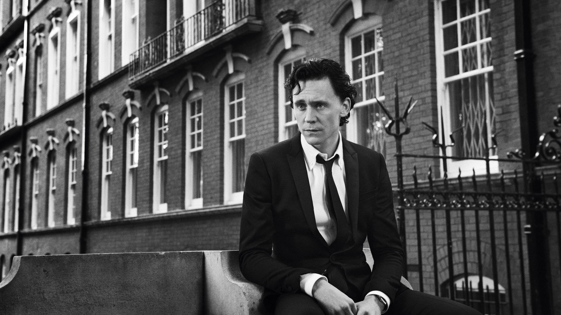monochrome tom hiddleston celebrity wallpaper 55667