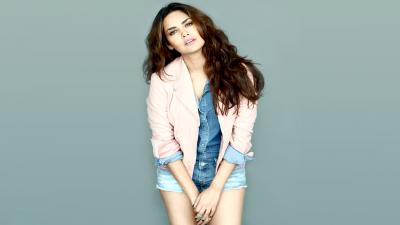 Esha Gupta Desktop Wallpaper 54541