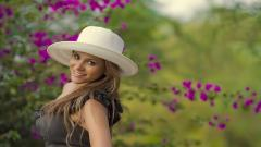 Hat Woman Wallpaper 49851