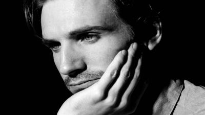 Monochrome Ralph Fiennes Wide Wallpaper 56459