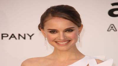 Natalie Portman Celebrity Smile Wallpaper 52229