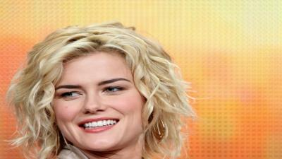 Rachael Taylor Smile Wallpaper 56465