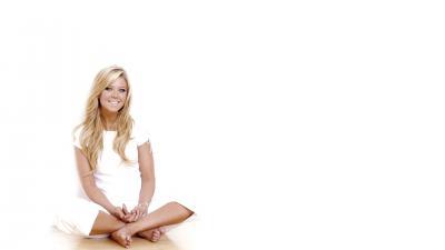Tara Reid Smile Wallpaper 53049