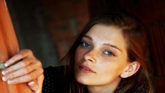 Woman Freckles Wallpaper HD 49841