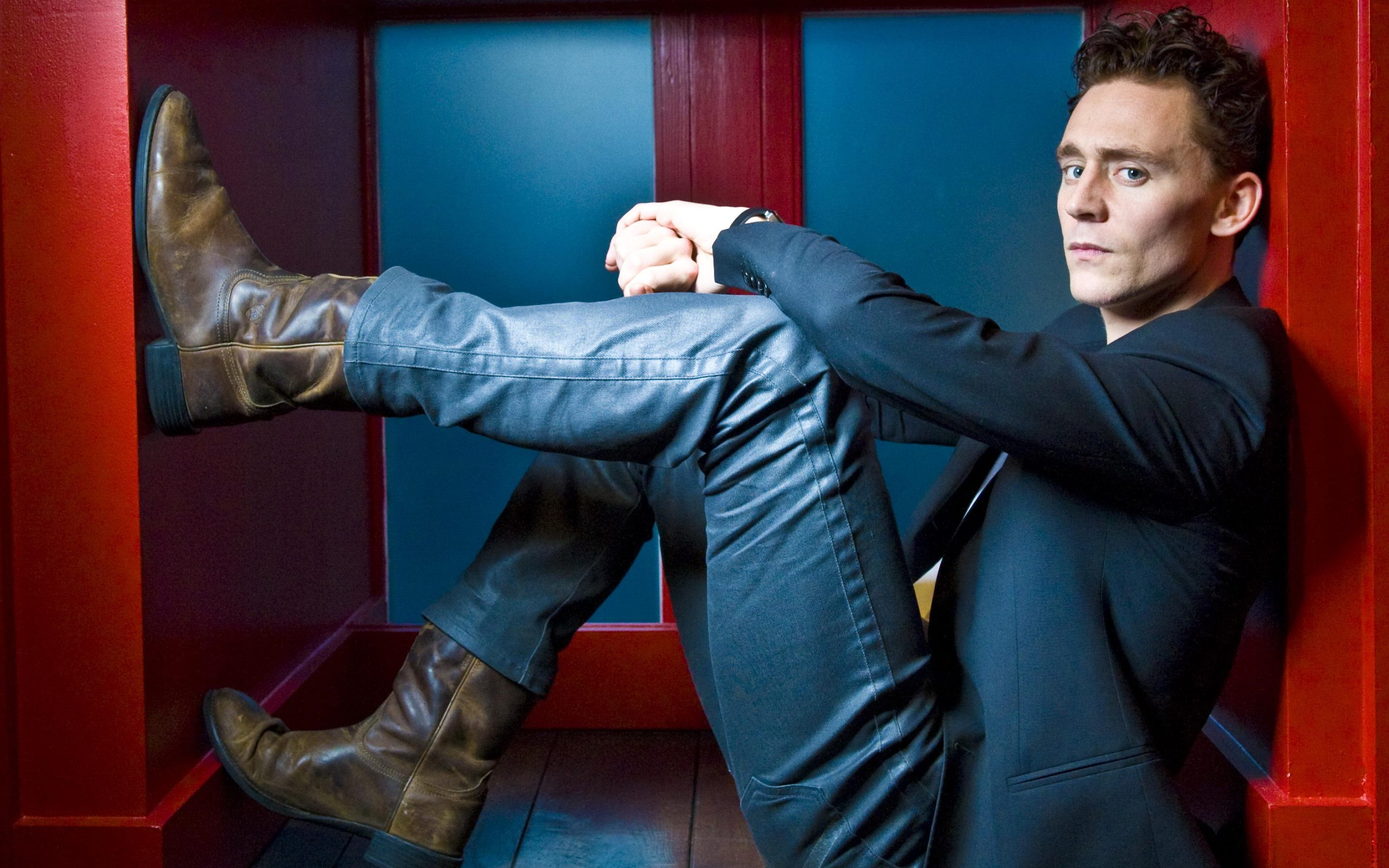 tom hiddleston wallpaper background hd 55668