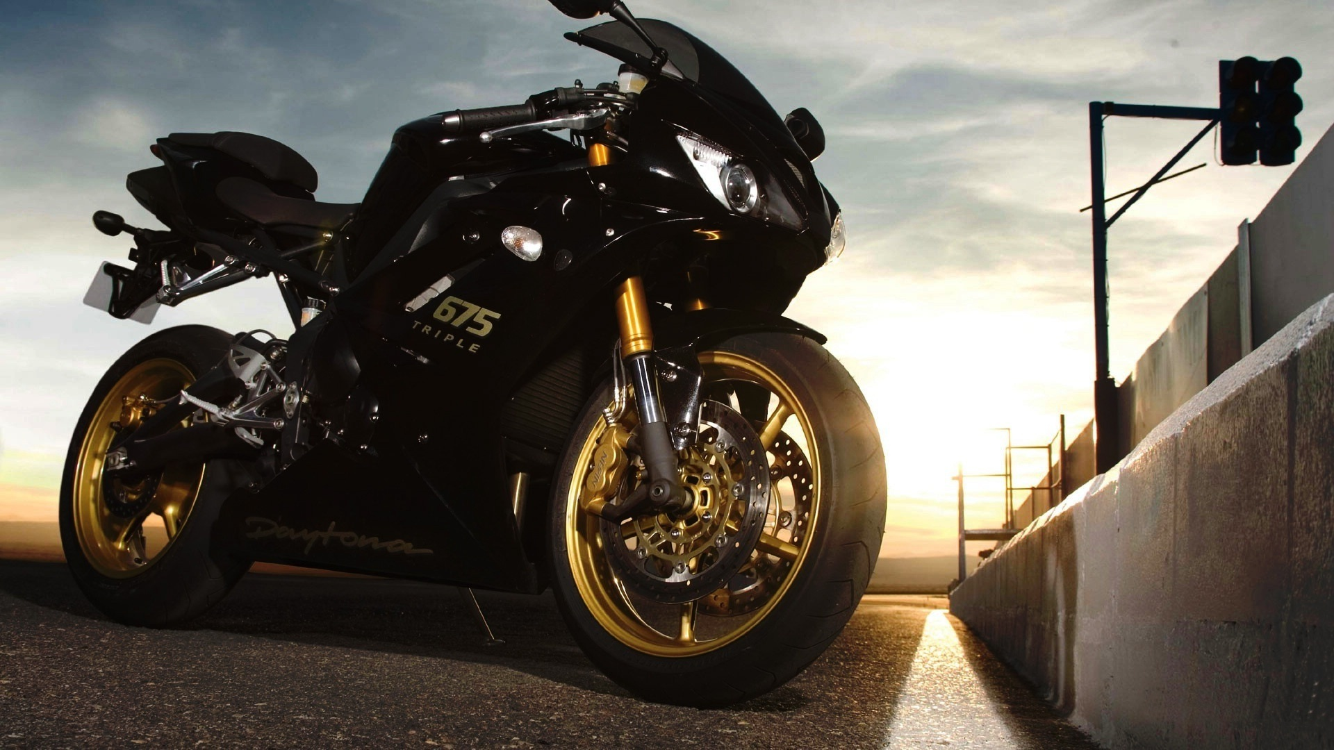 triumph daytona 675 wallpaper 49580