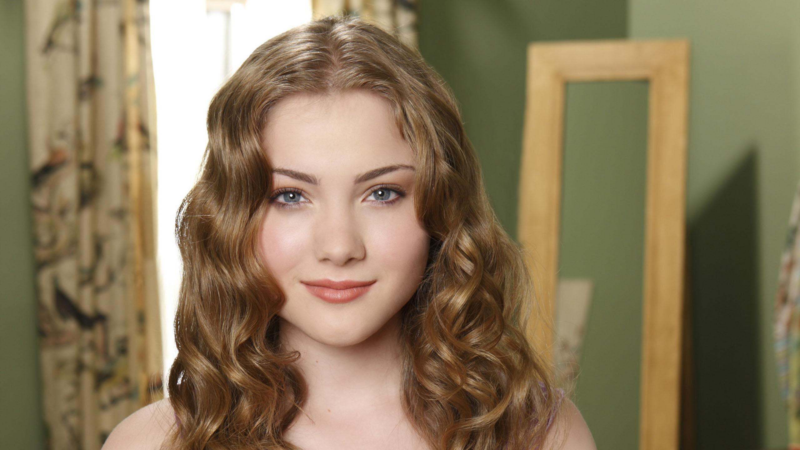 skyler samuels actress wallpaper background 55439