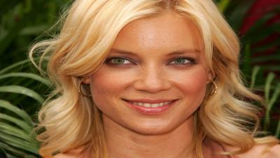 Amy Smart Smile Wallpaper Pictures 52126