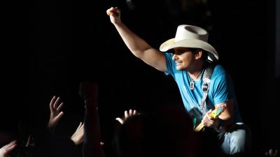 Brad Paisley Performing Wallpaper 54028