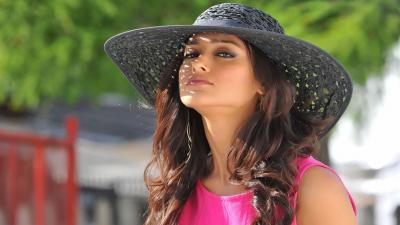 Ileana Dcruz Hat Wallpaper 54610