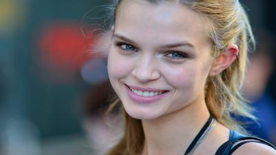Josephine Skriver Smile Wallpaper 57114