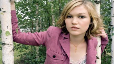 Julia Stiles Wallpaper Background 56737