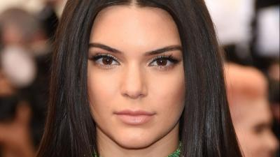 Kendall Jenner Face Widescreen Wallpaper 55381