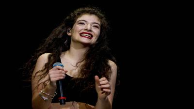 Lorde Performing Widescreen Wallpaper 54131