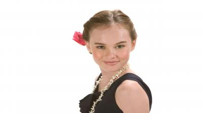 Madeline Carroll Wallpaper Background 54027