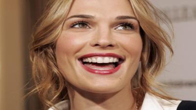 Molly Sims Smile Wallpaper 54613