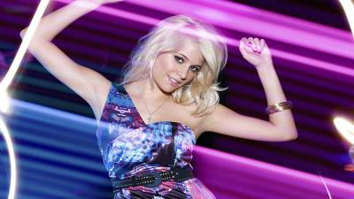 Pixie Lott Dancing Wallpaper 53884