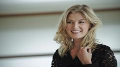 Rosamund Pike Widescreen Wallpaper 50857