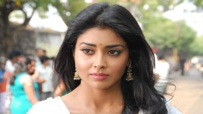 Shriya Saran Actress Wallpaper 53927