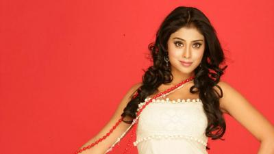 Shriya Saran Desktop Wallpaper 53934