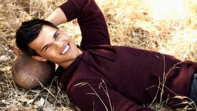 Taylor Lautner Smile Wallpaper Background 54143