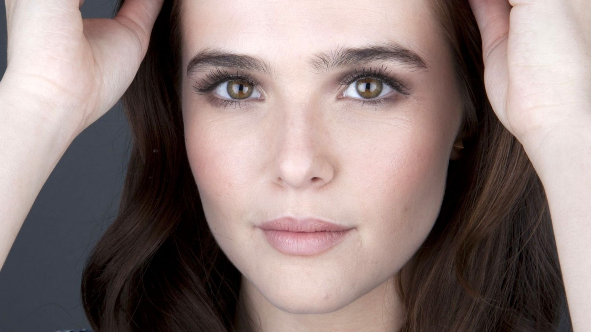 zoey deutch source
