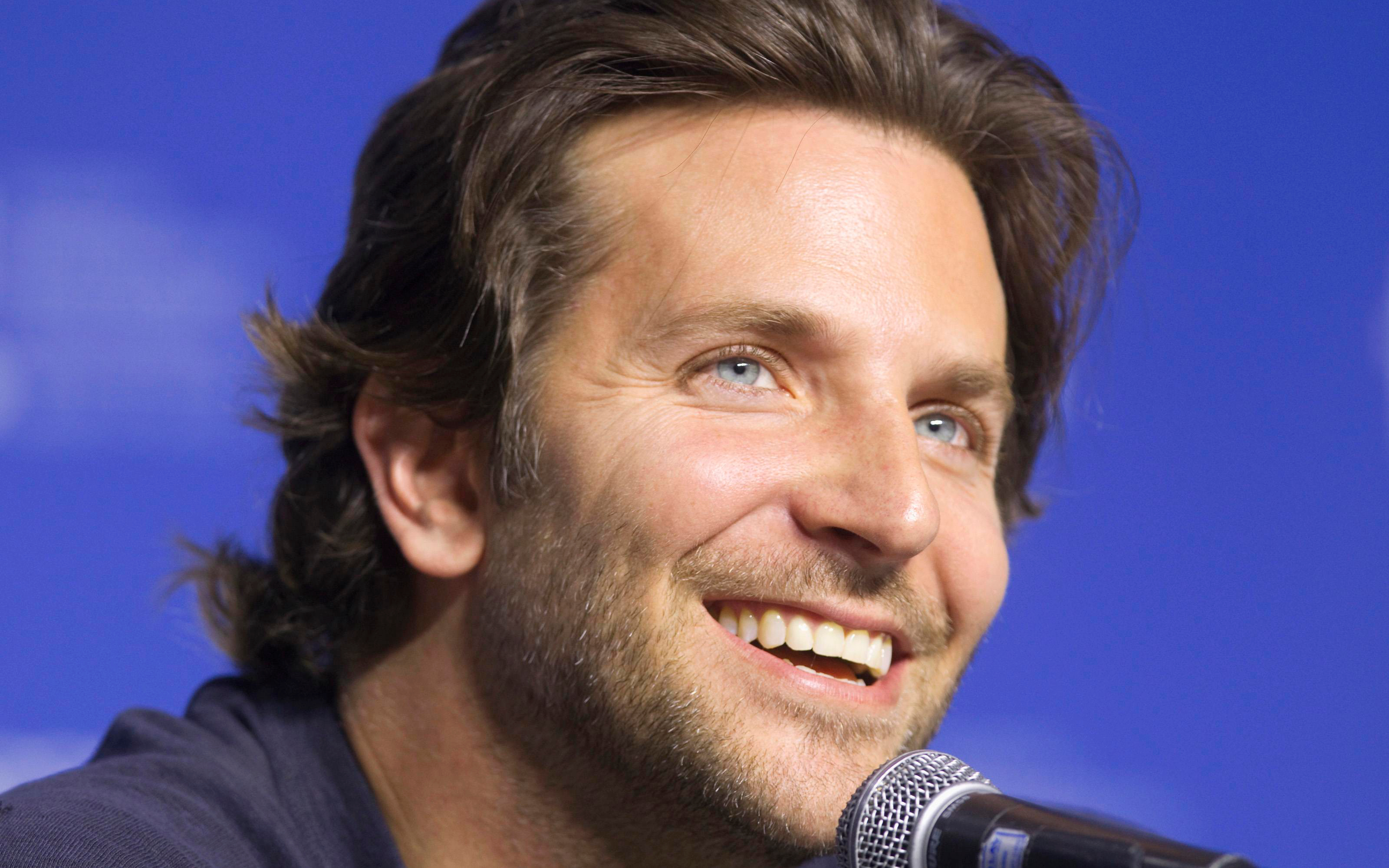 bradley cooper smile widescreen wallpaper 54175