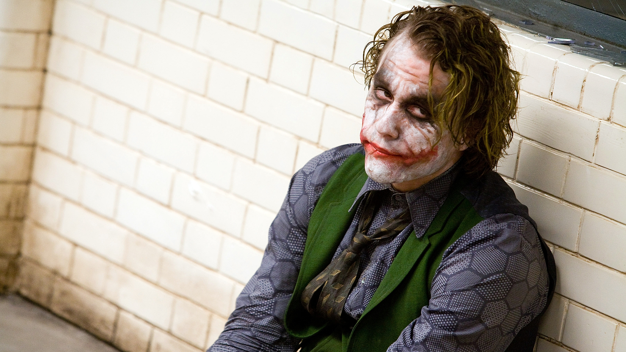 https://hdwallsource.com/img/2016/8/heath-ledger-joker-wallpaper-background-52841-54559-hd-wallpapers.jpg