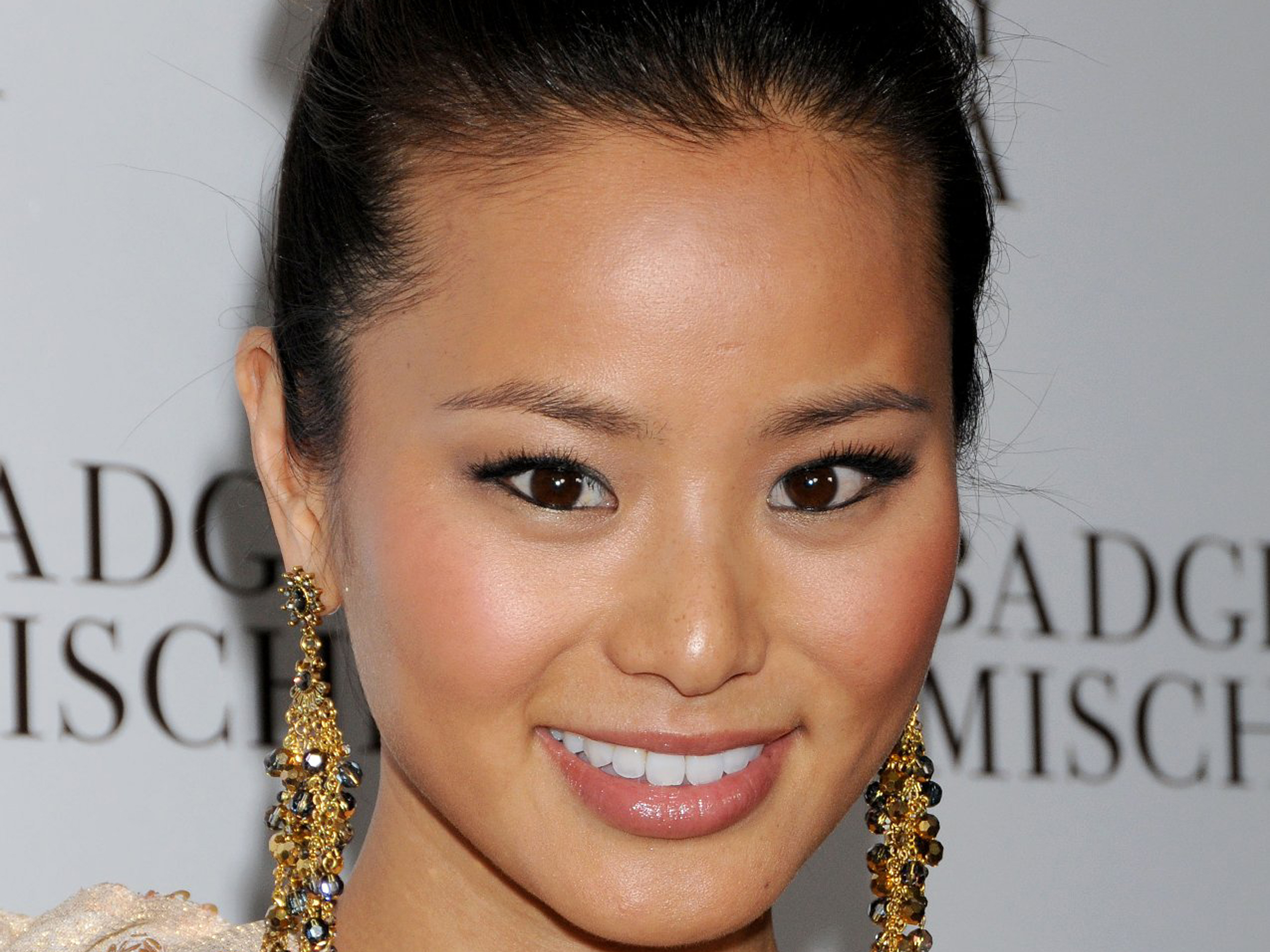 jamie chung face wallpaper 53578 2560x1920 px