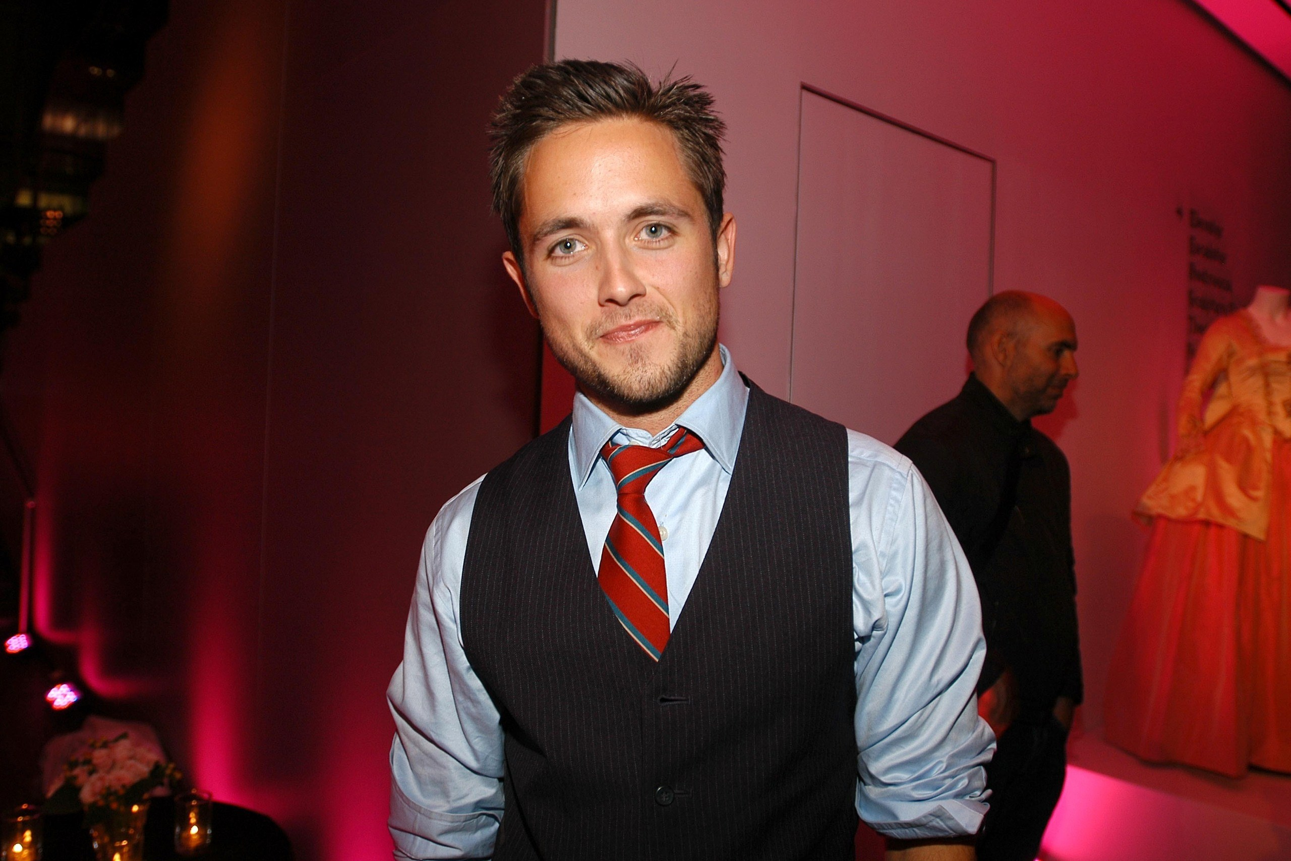 justin chatwin celebrity wallpaper background 57421