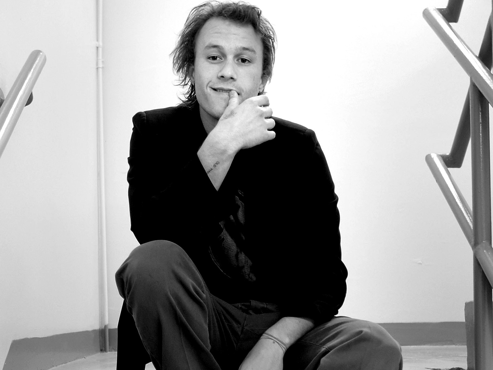 monochrome heath ledger wallpaper 52840