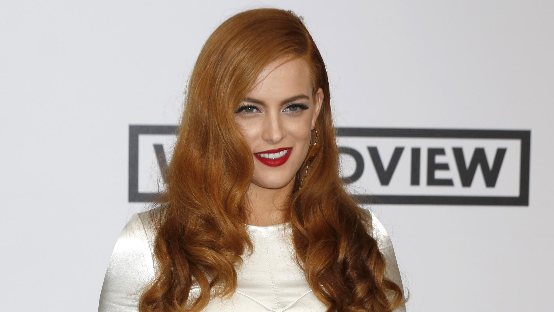 riley keough makeup wallpaper 55772