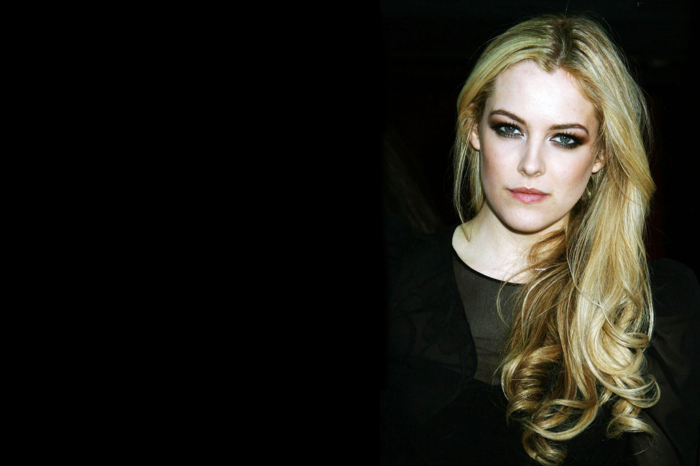 riley keough wide wallpaper 55767