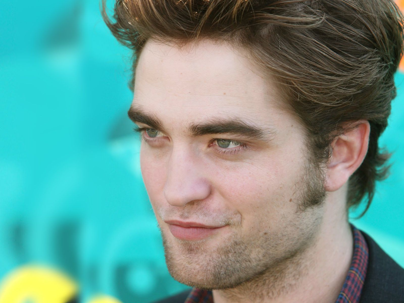 Robert Pattinson Face Wallpaper Pictures 57743 1600x1200px