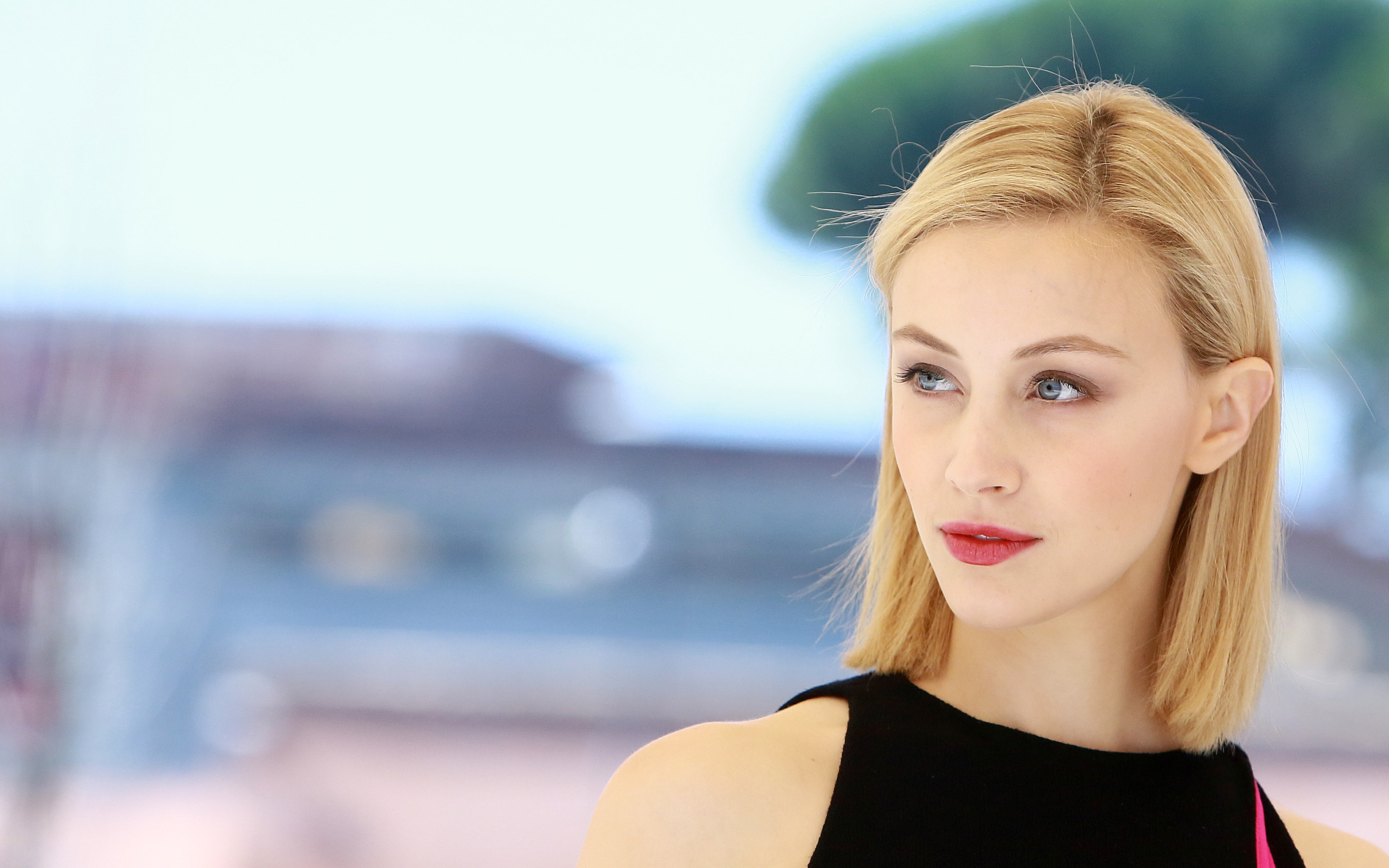 sarah gadon widescreen hd wallpaper 54226