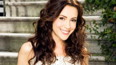 Alyssa Milano Smile HD Wallpaper 53806