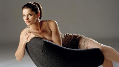 Amanda Peet Desktop Wallpaper 53475