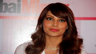 Bipasha Basu Actress Wide HD Wallpaper 53536