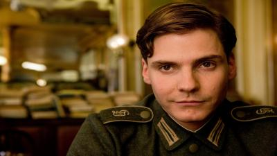 Daniel Bruhl Actor Widescreen Wallpaper 57288