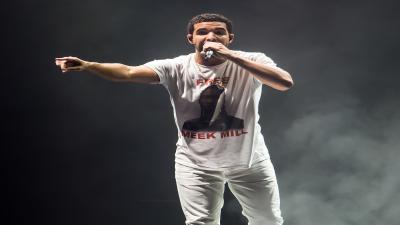 Drake Performing Mobile Wallpaper 54564